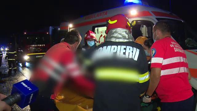 VIDEO. Accident mortal pe A1. O mașină de teren s-a izbit de un vehicul care transporta struguri