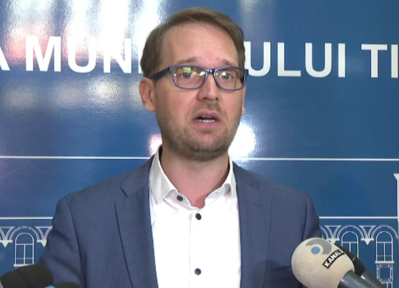 """""""Epidemie"""" de concedii medicale la Primăria Timișoara. Primarul Dominic Fritz a demarat controale"""