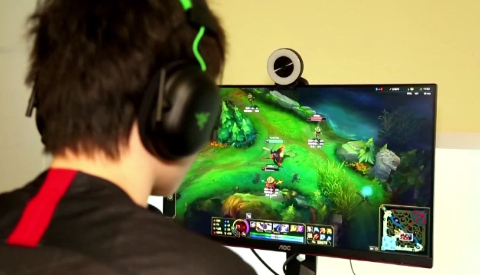 Adolescenții din China au primit interdicție la jocurile video. Au voie doar trei ore pe săptămână