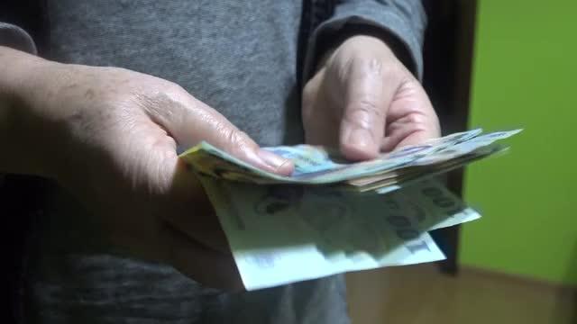 Un bătrân de 86 de ani din Bistriţa a fost tâlhărit chiar de fiul său
