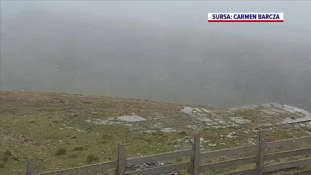 Prima ninsoare pe munte. Temperaturile au scăzut la -3 grade