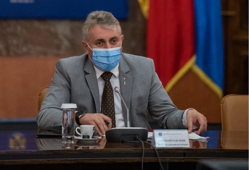 Ministrul de Interne: Au fost deschise 200 de dosare penale legate de adeverinţe sau certificate de vaccinare false