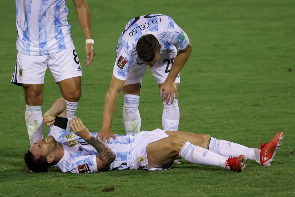 """VIDEO. Messi, la un pas de o accidentare gravă. Intrare """"criminală"""" asupra argentinianului"""
