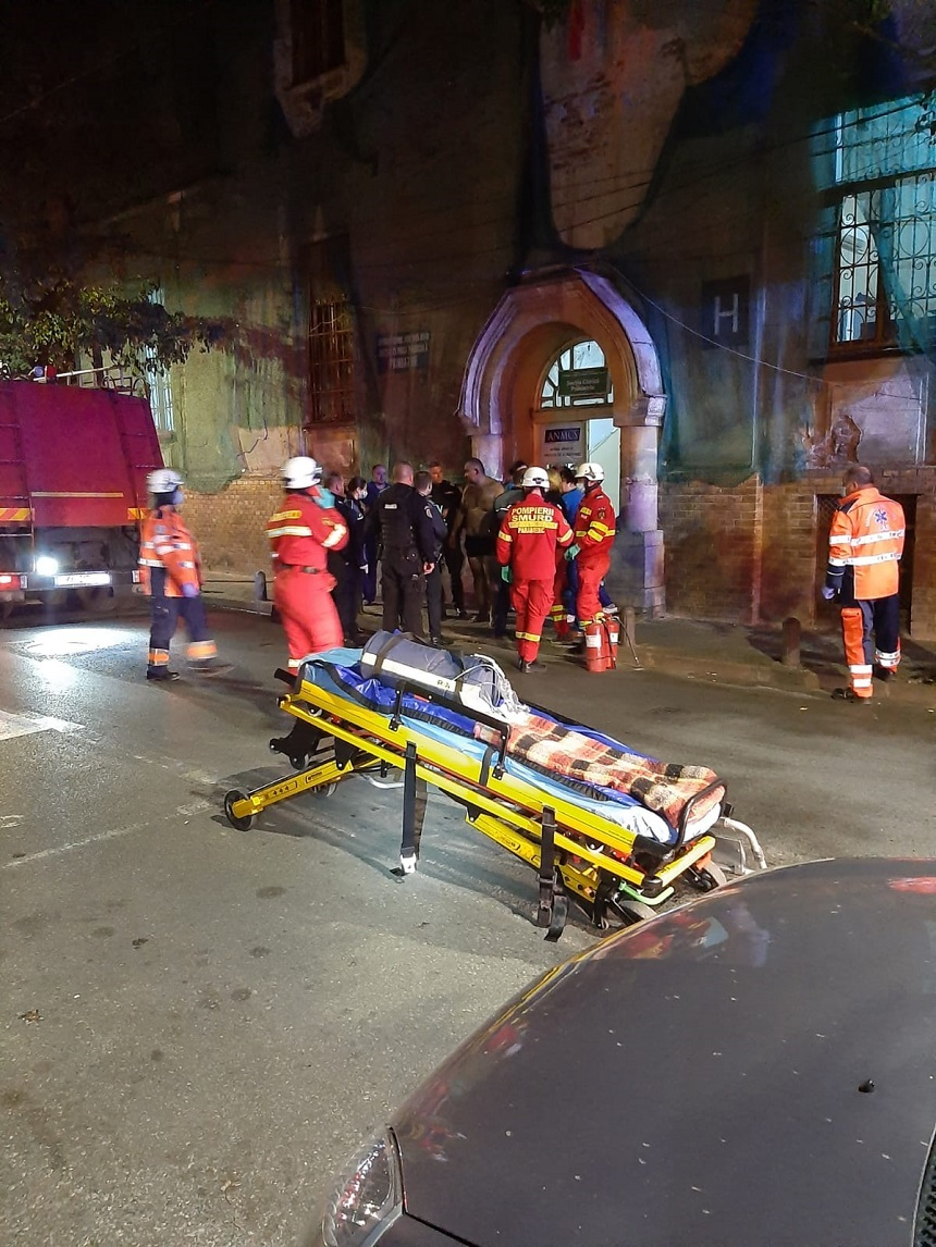 Incendiu la Spitalul de Psihiatrie Arad, provocat de un pacient. Mai multe persoane au fost evacuate