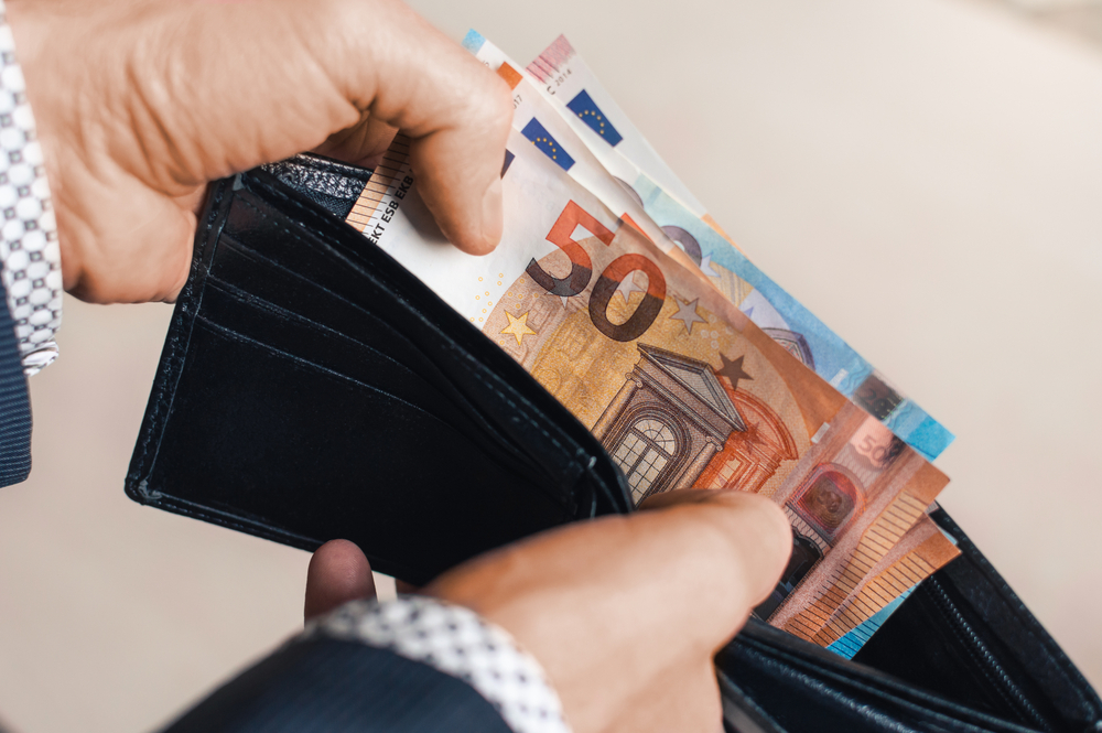 Spania va majora salariul minim pentru a reduce decalajul dintre săraci și bogați