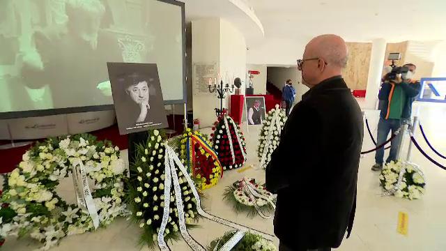 Teatrul românesc, în suferință, după dispariția unui simbol: Ion Caramitru