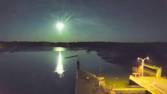 Imagini spectaculoase. Locul în care un meteorit impresionant a transformat noaptea în zi