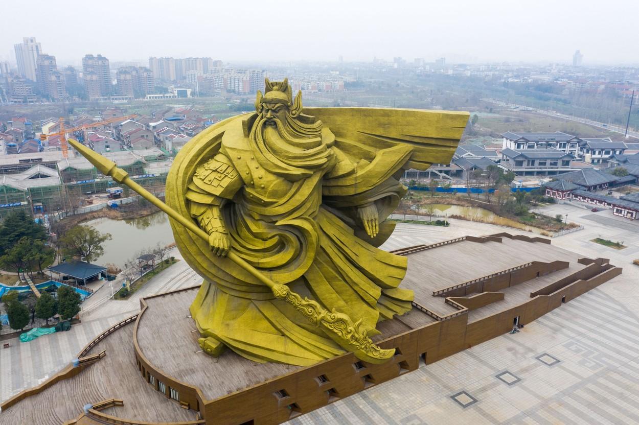 Scandal în China. Autoritățile vor plăti 20 de milioane de dolari pentru mutarea unei statui pe care localnicii nu o plac