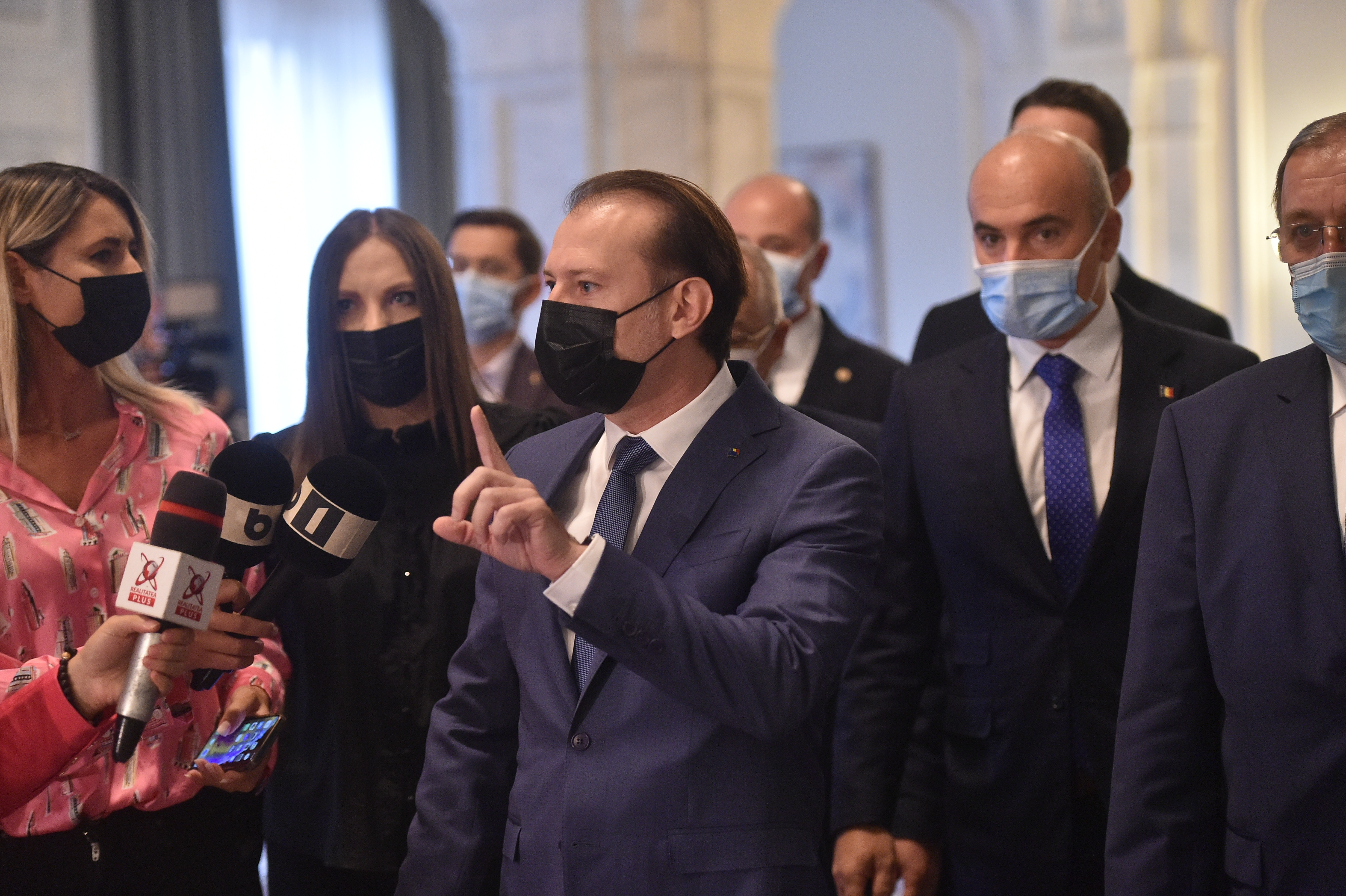 PNL le interzice parlamentarilor săi să participe la ședința convocată de Orban pentru moțiune