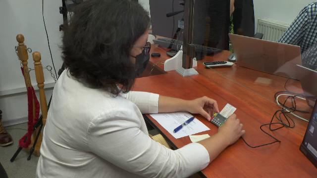 S-au eliberat primele cărți de identitate electronice din România. Ce documente ar putea înlocui