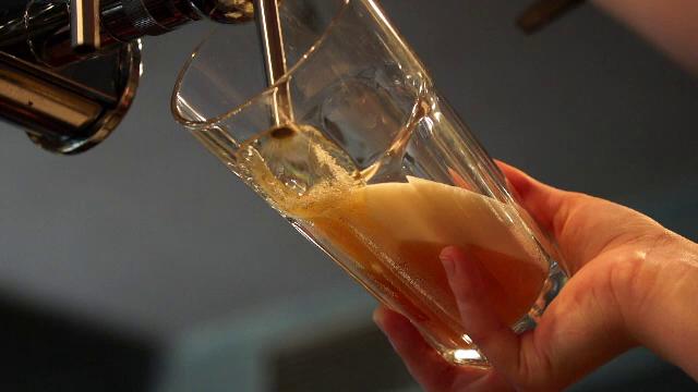 Alcoolismul în rândul tinerilor a atins cote alarmante. Specialiștii trag un semnal de alarmă