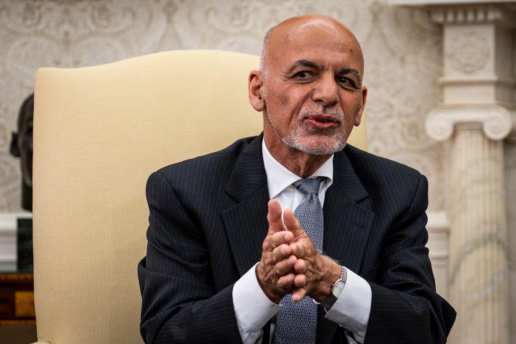 Fostul preşedinte afgan, Ashraf Ghani, îşi cere scuze că şi-a abandonat ţara