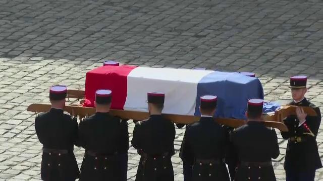 Ceremonie de omagiu național în Franța în memoria lui Jean-Paul Belmondo. Sicriul, adus de soldați ai Gărzii Republicane
