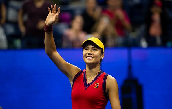 Emma Răducanu (18 ani) scrie istorie la US Open. Va juca finala cu Leylah Fernandez (19 ani)