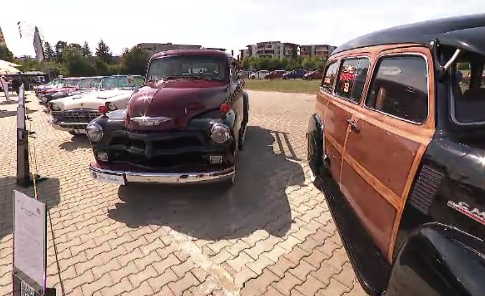 Ion Țiriac și-a expus ultimele 40 de automobile de epocă din colecție. Recondiționarea a durat chiar și patru ani