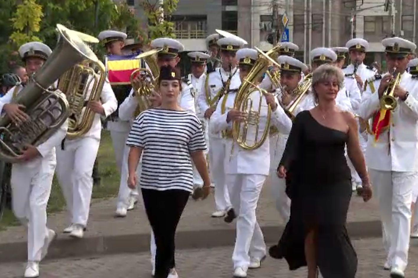 """Festivalul Național de Fanfare, la Galați. """"Valurile Dunării"""" este valsul emblematic al regiunii"""