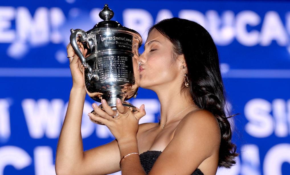 Regina Elisabeta a II-a, ducii de Cambridge și Boris Johnson au felicitat-o pe Emma Răducanu, după succesul de la US Open