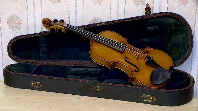 Vioara lui George Enescu, care va fi scoasă la licitație luna aceasta, nu este autentică, susțin numeroase personalități