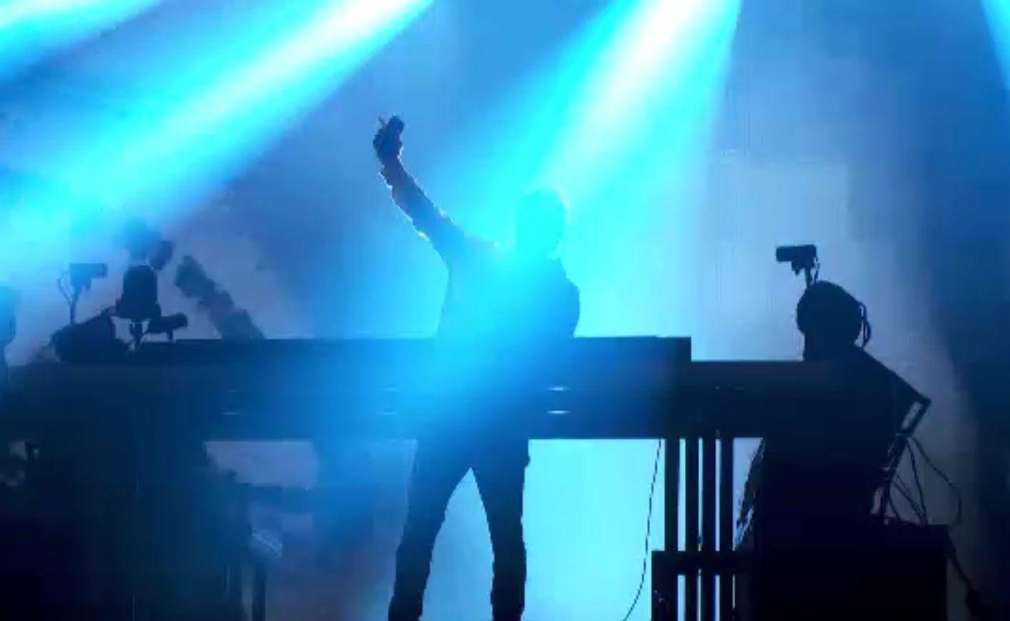 David Guetta a venit mai devreme la Untold. Tinerii au dansat până în zori