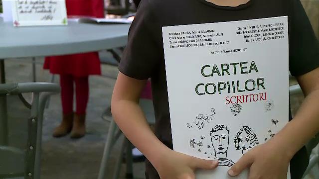 17 copii, cu vârste între 5 și 12 ani, care nu s-au întâlnit niciodată, au scris și au ilustrat o carte de povești