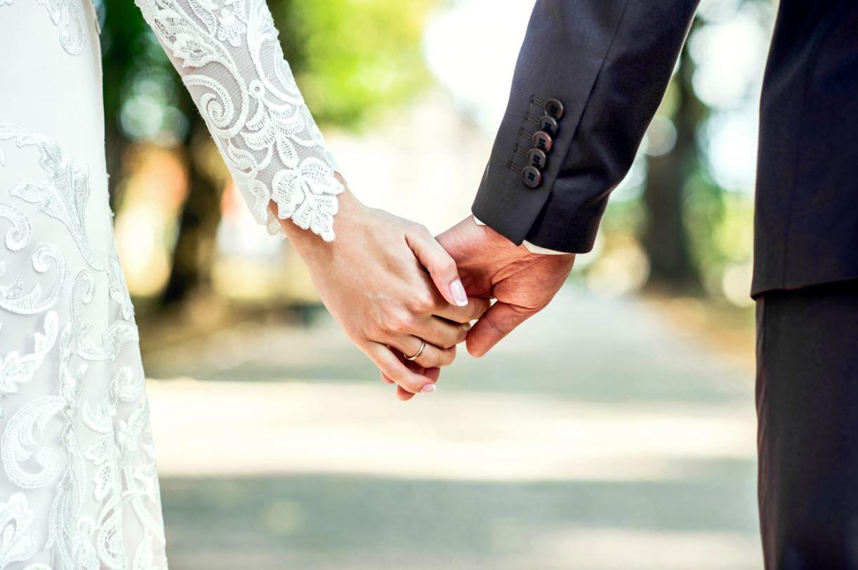"""Amenda pentru o nuntă în pandemie la Suceava, anulată de judecători pentru că nu era """"bună-dispoziție"""""""