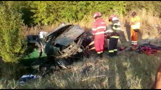 Accident grav pe DN 6. O persoană a murit, iar alte două au ajuns la spital