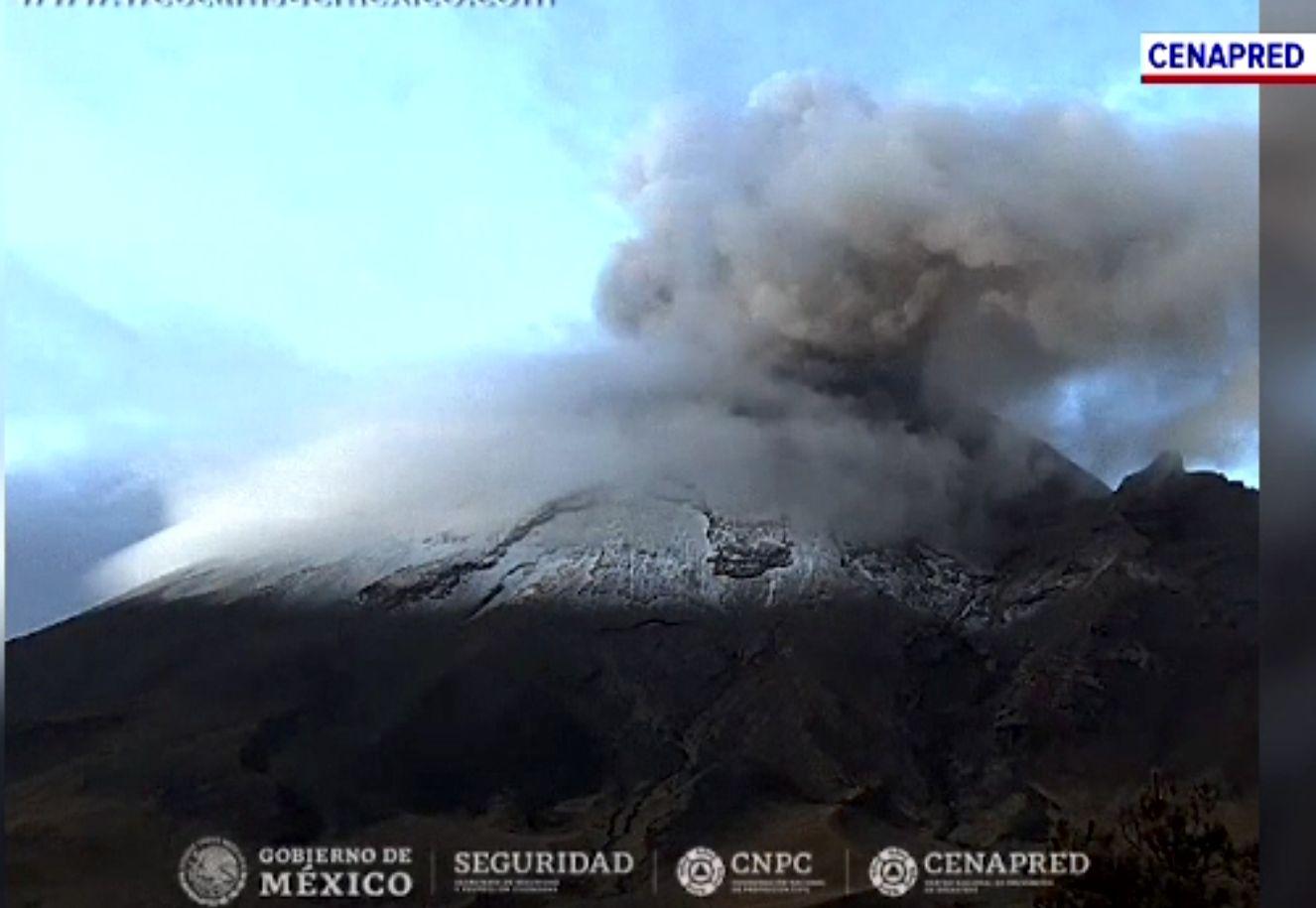 Vulcanul Popocatepetl erupe din nou. A aruncat o coloană masivă de cenușă