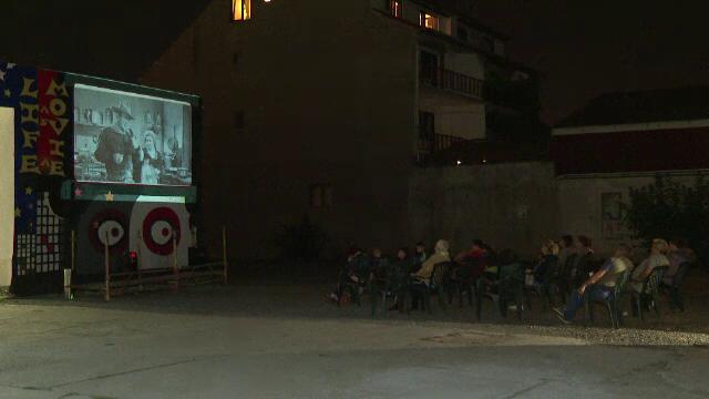 Timișoara: A fost inaugurat primul cinematograf comunitar din România