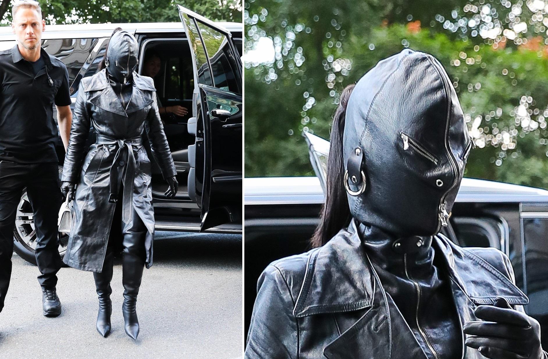 Vedeta care a ieșit pe stradă îmbrăcată complet în piele neagră. A avut și fața acoperită. GALERIE FOTO
