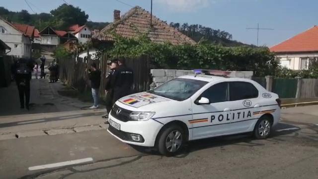 Crimă în Alba. O tânără este suspectată că și-a ucis iubitul, cu care avea doi gemeni de un an