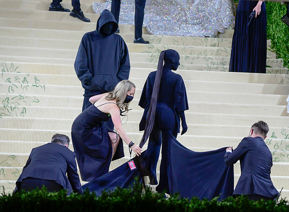 Covorul roșu, Met Gala 2021. Kim Kardashian și Naomi Osaka, apariții surprinzătoare. GALERIE FOTO