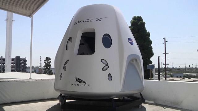 VIDEO SpaceX a revenit pe Terra. Reacțiile astronauților amatori după amerizare