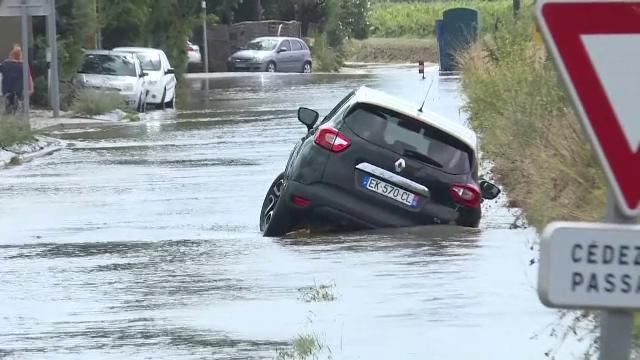 O furtună din sudul Franței a făcut prăpăd. În șase ore a plouat cât în două luni