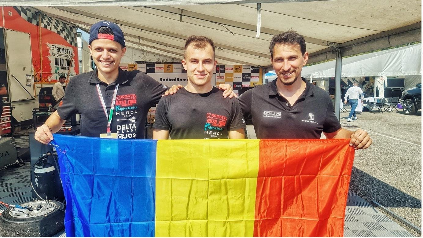 Trei români, la start în cursa de support a F1 - Marele Premiu al Italiei. GALERIE FOTO