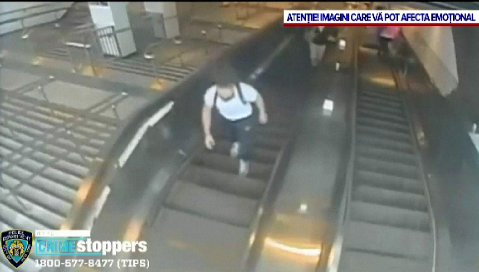 Femeie lovită cu sălbăticie la metrou, în New York. Poliția are imagini, dar nu a identificat agresorul
