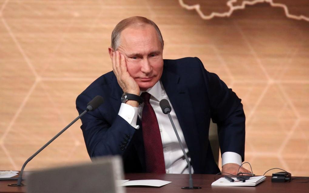 Zeci de persoane din anturajul lui Vladimir Putin au fost diagnosticate cu COVID-19
