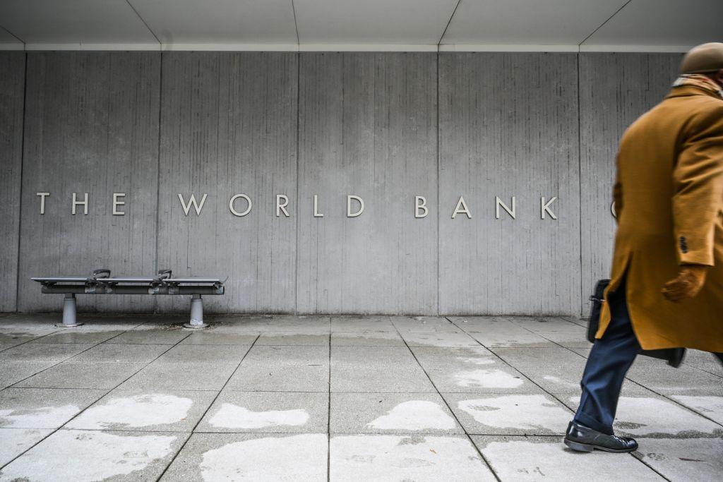 Banca Mondială şi-a îmbunătăţit estimările privind evoluţia economiei României în 2021