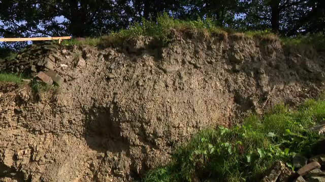Fenomen șocant într-o localitate din Belgia. Dealurile se deplasează zilnic cu câțiva centimetri