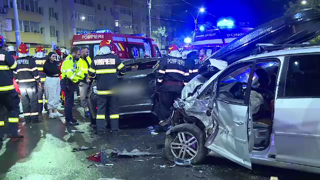 Accident grav în Capitală. Patru persoane au fost rănite din cauza neacordării de prioritate
