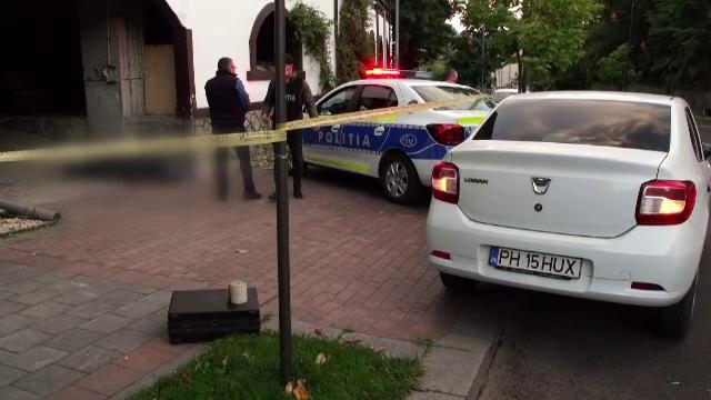 O femeie a murit în fața unei pensiuni din Sinaia, după ce a fost lovită de partenerul său