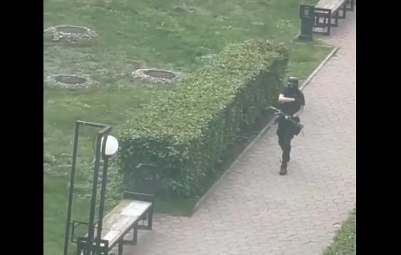 Atac armat la o universitate din Rusia, soldat cu 8 morți. Studenții au sărit pe geam de frică. VIDEO