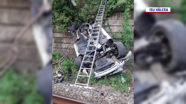 Un șofer a încercat să depășească un TIR, dar a pierdut controlul volanului. Ce a urmat este incredibil
