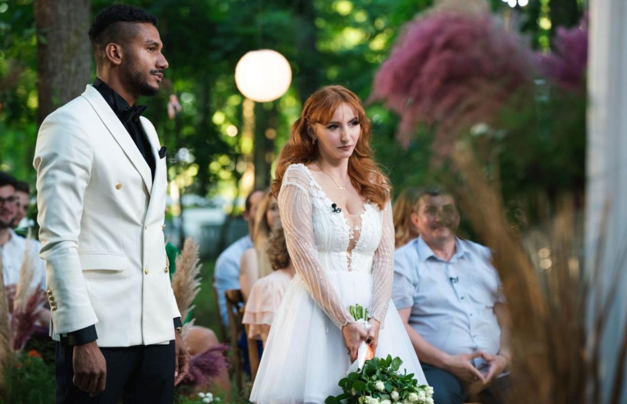 """""""Căsătoriți pe nevăzute"""". Georges și Cristina s-au căsătorit, în ciuda criticilor părinților ei"""
