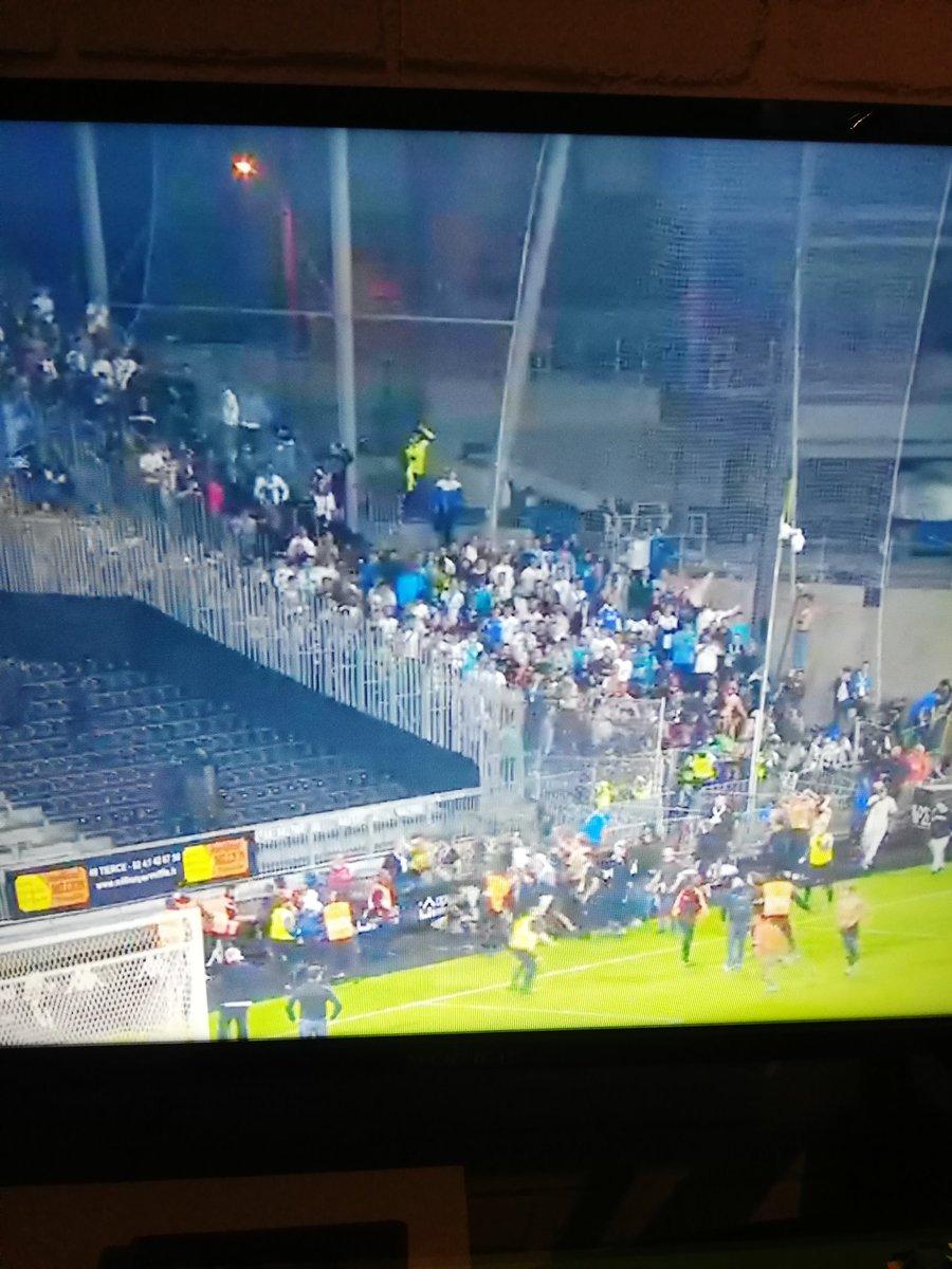 Incidente în Franţa după meciurile din Ligue 1. Bătaie între fanii echipelor Angers şi OM