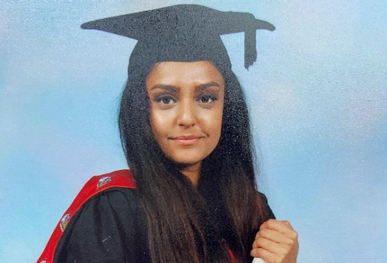 O tânără din Londra a fost ucisă în timp ce se plimba singură pe stradă