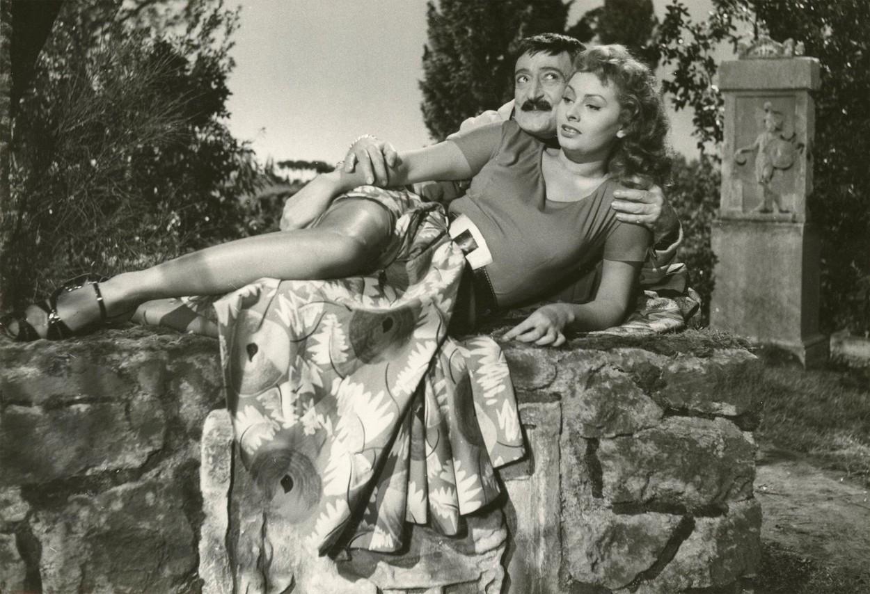 Sophia Loren a împlinit 87 de ani. Cum arată cunoscuta actriță acum. GALERIE FOTO