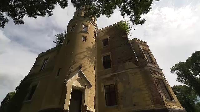 Castelul și ștrandul cu băi termale din Săcueni, județul Bihor, în centru unui scandal de proporții
