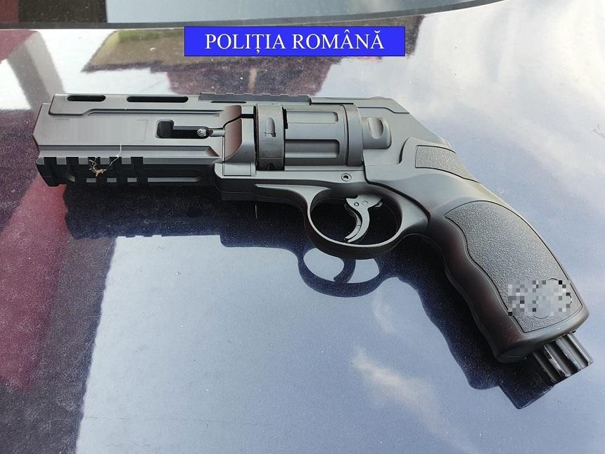 Trei bărbați au fost împușcați, cu o armă neletală, în Dolj. Ce s-a întâmplat cu cel care a tras