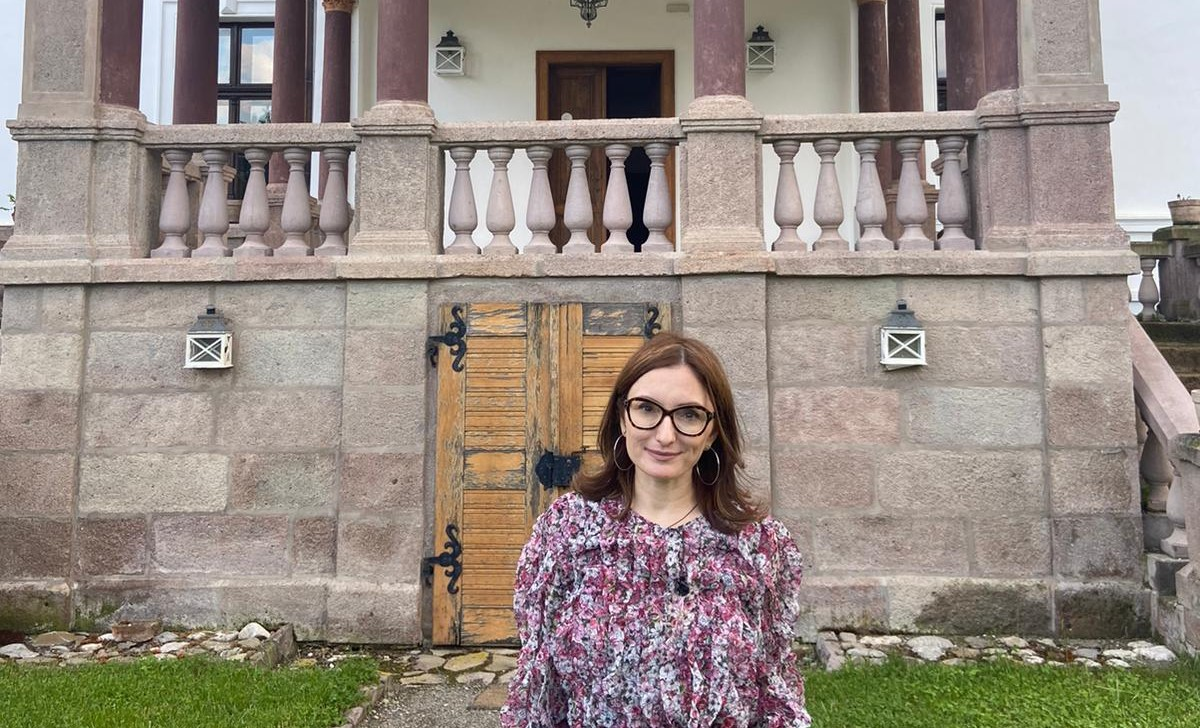 """""""România, știi bine!"""". Paula Herlo continuă povestea castelelor și conacelor de vis din România"""