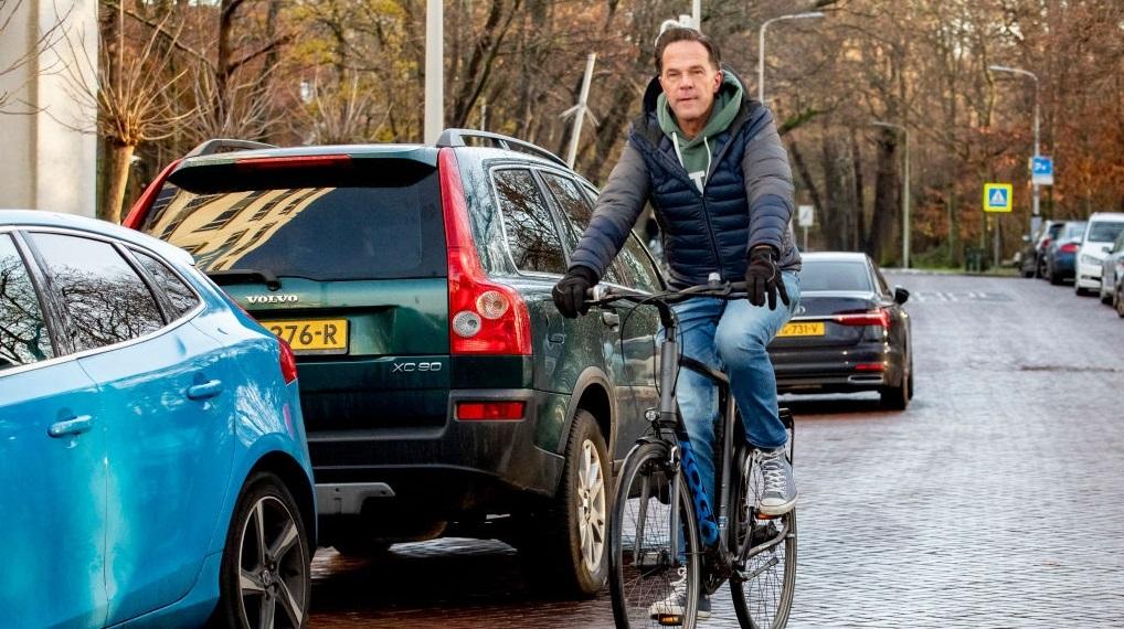 """Un politician olandez a fost arestat pentru """"intenţia"""" de asasinare a premierului Mark Rutte"""